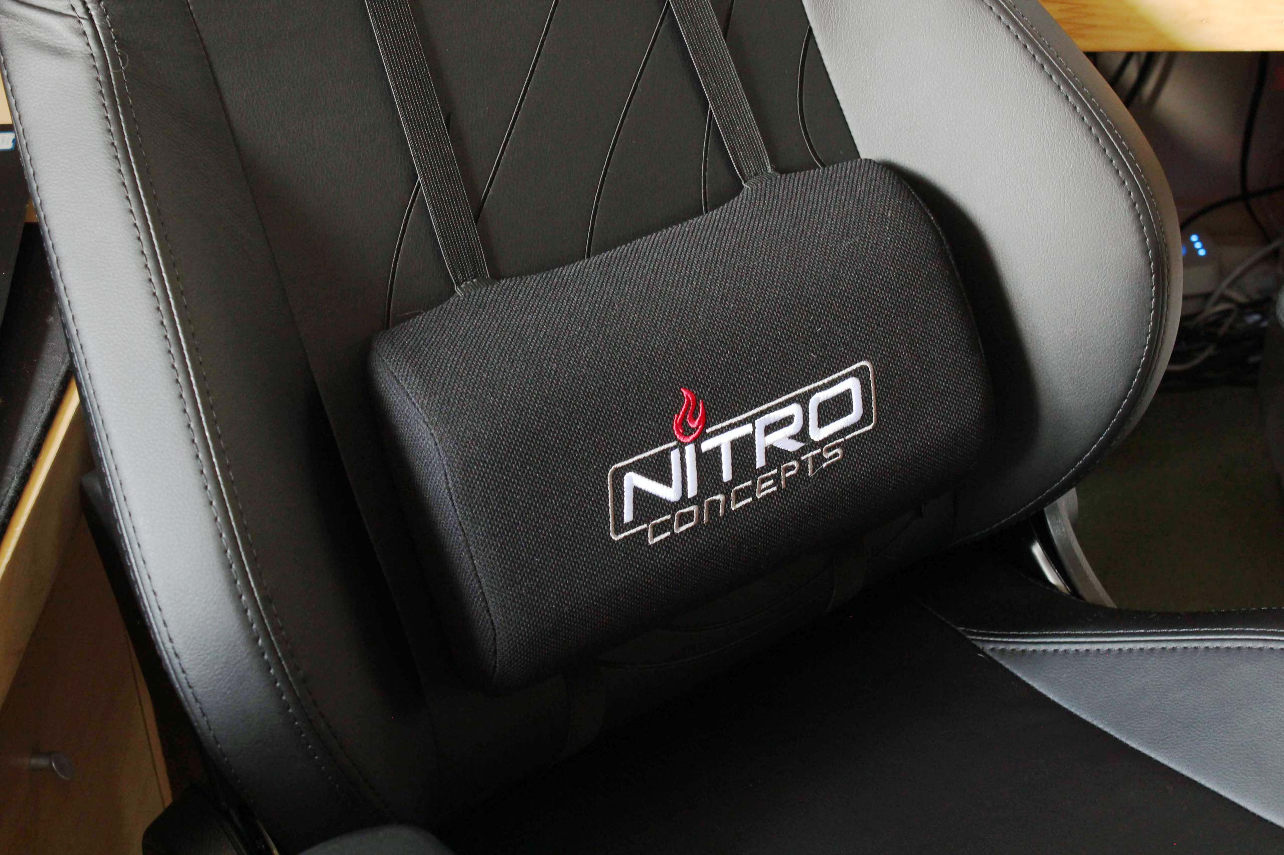 Nitro Concepts S300 Ex Gaming Chair Lumbar Support Pillow Vgu